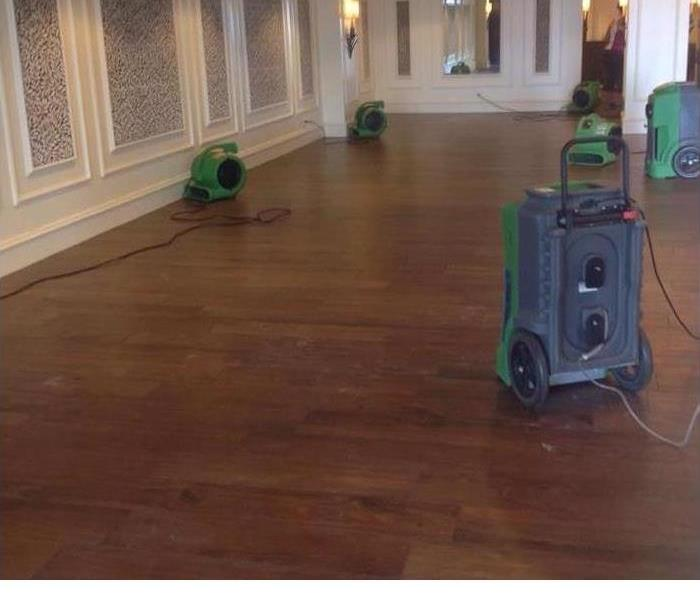 hardwood floors that are dry